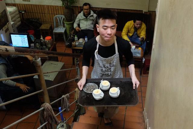 Chủ cafe Giảng: Khách đông khủng khiếp, không tính nổi bán bao nhiêu cốc đợt thượng đỉnh - Ảnh 7.