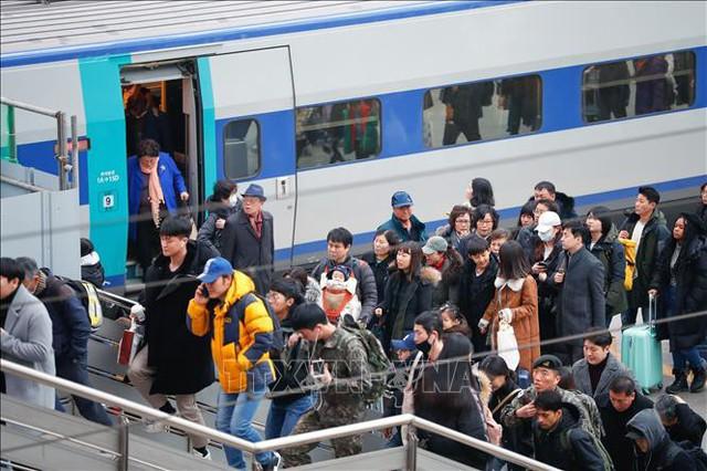 Khoảng 49 triệu lượt người Hàn Quốc về quê ăn Tết - Ảnh 1.