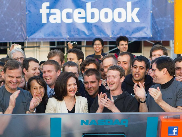 Hôm nay Facebook tròn 15 tuổi, cộng nhìn lại hành trình khó tin của Mark Zuckerberg: Từ cậu sinh viên bỏ học đến tỷ phú sở hữu MXH 'đông dân' nhất hành tinh - Ảnh 4.