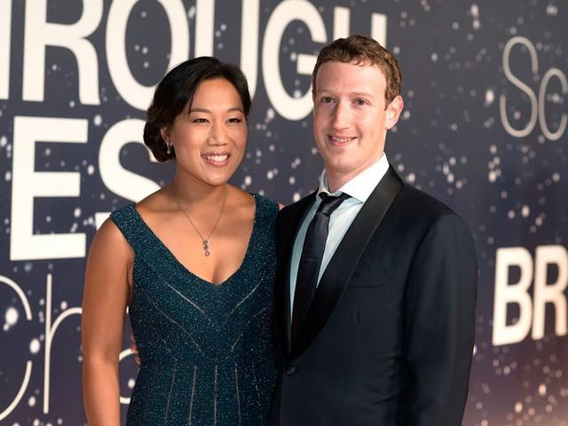 Hôm nay Facebook tròn 15 tuổi, cộng nhìn lại hành trình khó tin của Mark Zuckerberg: Từ cậu sinh viên bỏ học đến tỷ phú sở hữu MXH 'đông dân' nhất hành tinh - Ảnh 6.