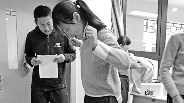 Trung Quốc: Học sinh sẽ bị phạt chạy bộ hàng ngày nếu tăng cân sau Tết - Ảnh 1.