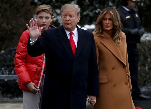 Quý tử út Tổng thống Trump: Cậu ấm hot nhất hành tinh với combo điển trai, lạnh lùng, nhà mặt phố, bố làm to - Ảnh 14.