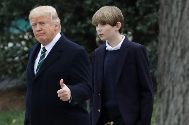 Quý tử út Tổng thống Trump: Cậu ấm hot nhất hành tinh với combo điển trai, lạnh lùng, nhà mặt phố, bố làm to - Ảnh 5.