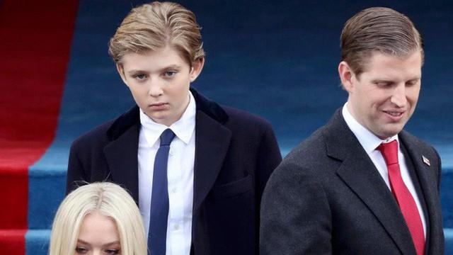 Quý tử út Tổng thống Trump: Cậu ấm hot nhất hành tinh với combo điển trai, lạnh lùng, nhà mặt phố, bố làm to - Ảnh 9.