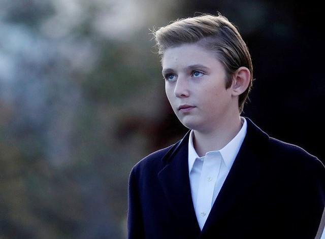 Quý tử út Tổng thống Trump: Cậu ấm hot nhất hành tinh với combo điển trai, lạnh lùng, nhà mặt phố, bố làm to - Ảnh 10.