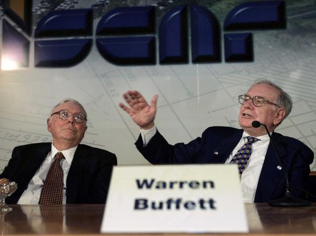Bền chặt như Warren Buffett và tỷ phú 95 tuổi Charlie Munger: Làm cùng nhau từ niên thiếu, 60 năm chưa từng cãi lộn và không ai định nghỉ hưu dù ở tuổi xưa nay hiếm - Ảnh 1.