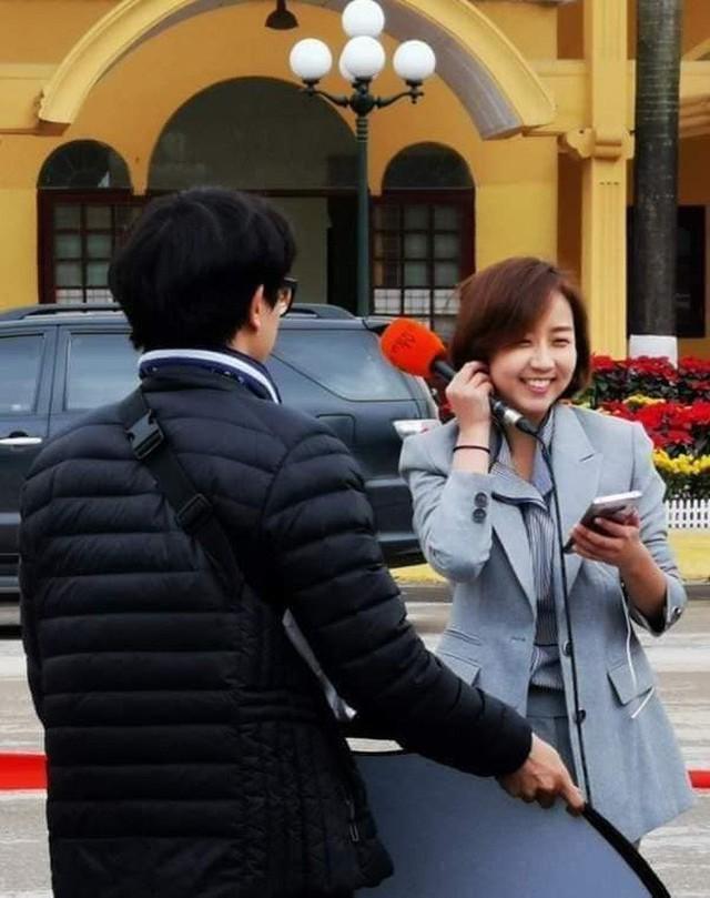 Dàn phóng viên Hàn Quốc và Nhật Bản bỗng dưng nổi tiếng trên mạng xã hội khi tác nghiệp tại hội nghị thượng đỉnh Mỹ - Triều - Ảnh 11.
