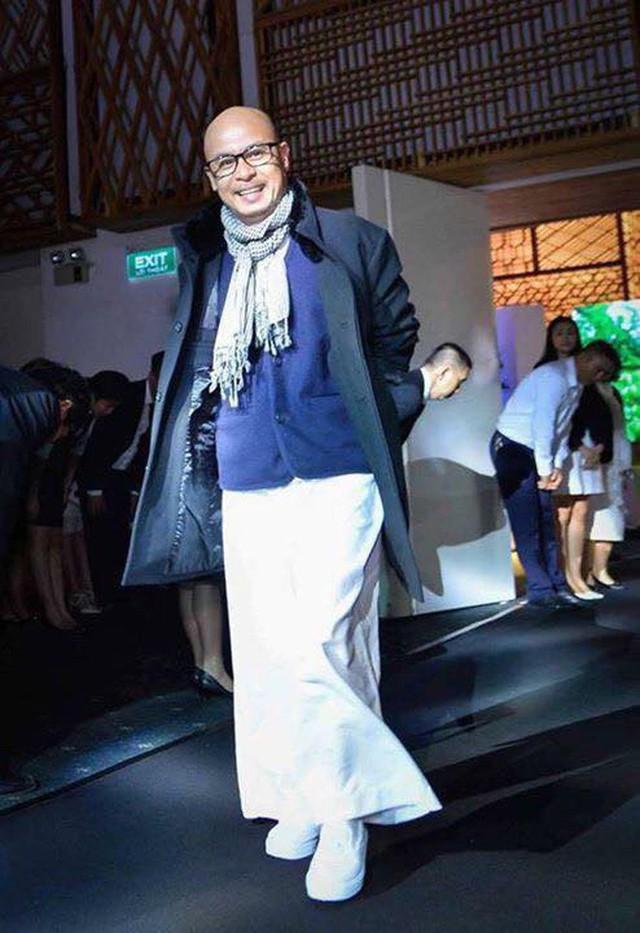 Sở hữu nghìn tỷ nhưng ông Đặng Lê Nguyên Vũ lại khiến dân tình xôn xao khi chỉ đi giày vải 75 ngàn đồng - Ảnh 11.