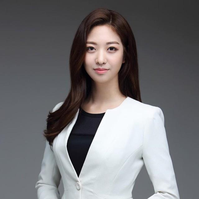 Dàn phóng viên Hàn Quốc và Nhật Bản bỗng dưng nổi tiếng trên mạng xã hội khi tác nghiệp tại hội nghị thượng đỉnh Mỹ - Triều - Ảnh 16.