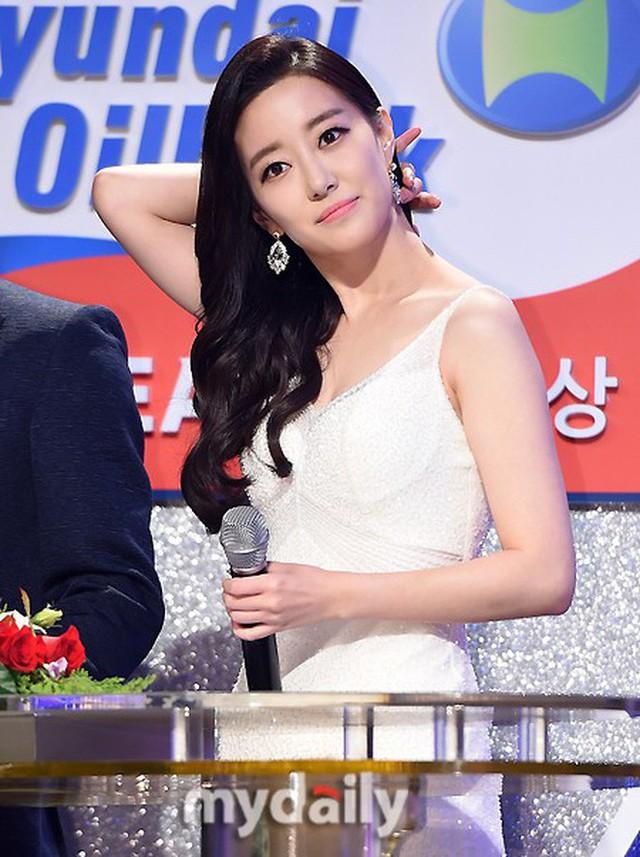 Dàn phóng viên Hàn Quốc và Nhật Bản bỗng dưng nổi tiếng trên mạng xã hội khi tác nghiệp tại hội nghị thượng đỉnh Mỹ - Triều - Ảnh 21.