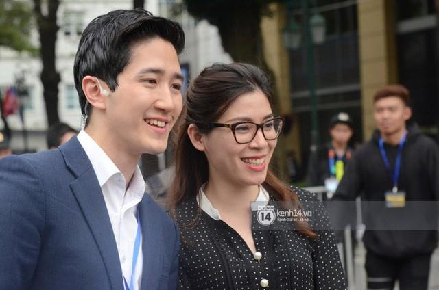 Dàn phóng viên Hàn Quốc và Nhật Bản bỗng dưng nổi tiếng trên mạng xã hội khi tác nghiệp tại hội nghị thượng đỉnh Mỹ - Triều - Ảnh 10.