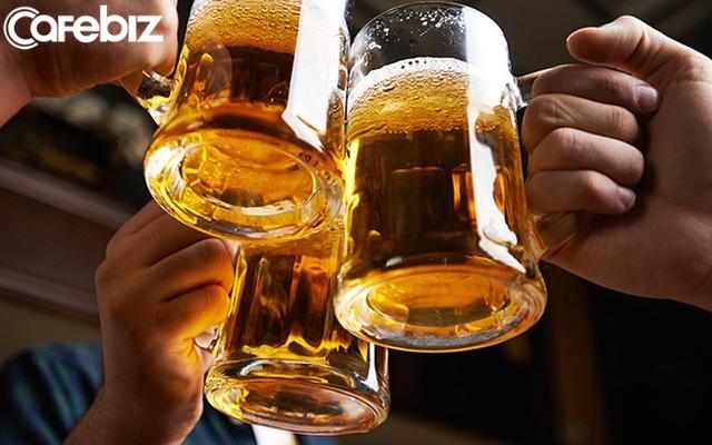 Đi làm phải uống nhiều rượu đến loét dạ dày, ngất lịm trong nhà vệ sinh: Tôi 23 tuổi, triền miên một thời gian dài sáng rượu, trưa rượu và xế chiều uống bia - Ảnh 2.