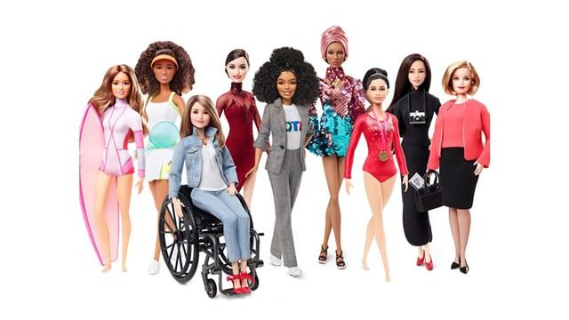 Búp bê nổi tiếng Barbie lớn lên như thế nào trong 60 năm qua? - Ảnh 1.