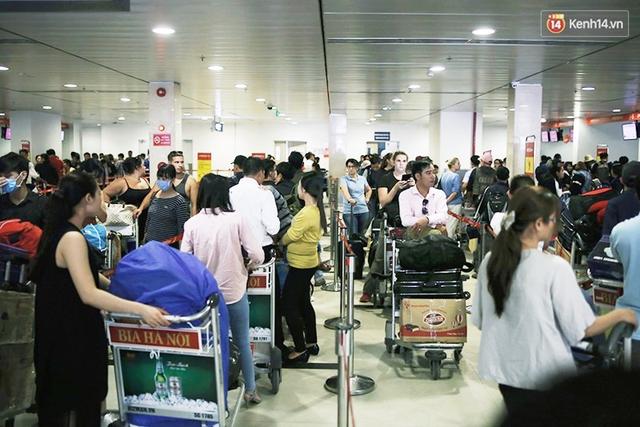 Sân bay Tân Sơn Nhất bị khách hàng xếp bét bảng về chất lượng dịch vụ hàng không - Ảnh 2.