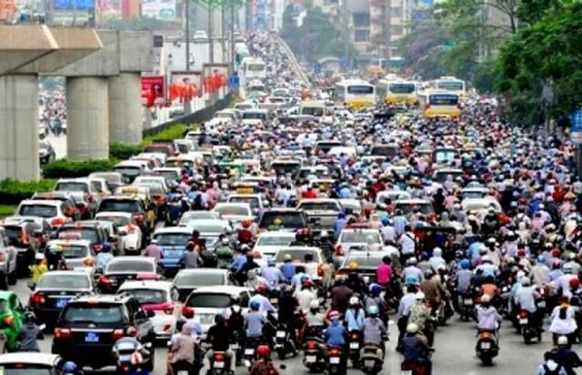 Hà Nội dự kiến cấm xe máy vào tuyến phố đầu tiên - Ảnh 1.
