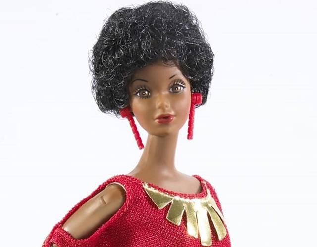 Búp bê nổi tiếng Barbie lớn lên như thế nào trong 60 năm qua? - Ảnh 3.