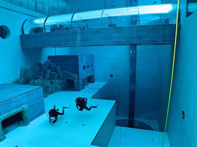 Sắp mở cửa hồ bơi sâu nhất thế giới, chứa 8000 mét khối nước, sâu 45m - Ảnh 3.