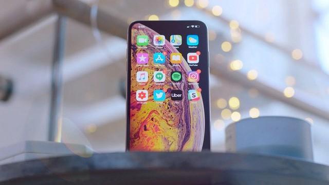 """Giới phân tích: Doanh số iPhone tại thị trường Trung Quốc sẽ tiếp tục chuyển từ """"xấu sang rất xấu - Ảnh 2."""