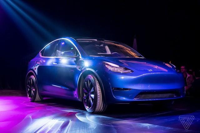 Tesla chính thức ra mắt Model Y: Mẫu SUV chạy điện giá siêu rẻ, chỉ từ 900 triệu đồng - Ảnh 2.