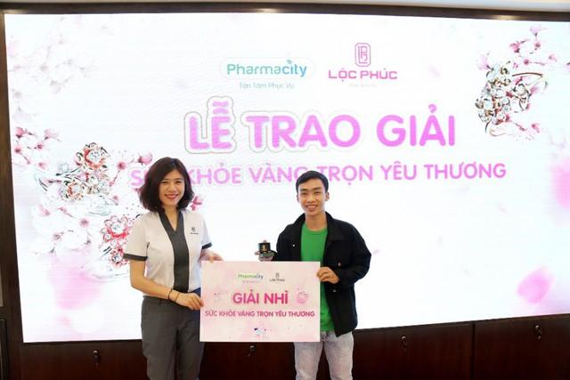 Pharmacity và Lộc Phúc trao giải vàng cho các khách hàng may mắn - Ảnh 4.