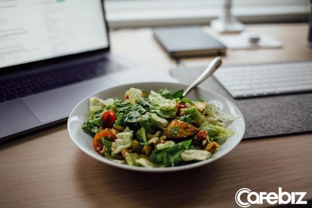Chuyện công sở: Đừng bao giờ ăn trưa một mình, càng không bao giờ nên ăn nhanh tại bàn, hãy lập team - Ảnh 3.