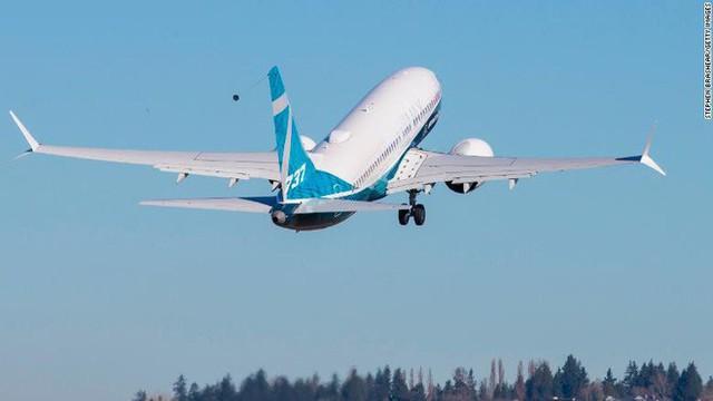 Giáo sư kinh tế học cho rằng Boeing 737 MAX nhiều công nghệ đến vậy chỉ là để... kiếm thêm nhiều tiền - Ảnh 1.