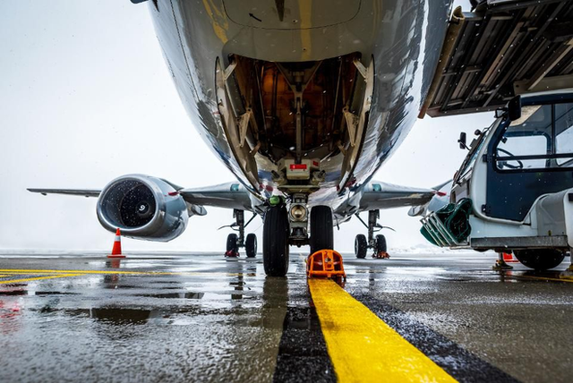 Giáo sư kinh tế học cho rằng Boeing 737 MAX nhiều công nghệ đến vậy chỉ là để... kiếm thêm nhiều tiền - Ảnh 3.