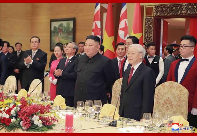 Tiệc chiêu đãi Chủ tịch Kim Jong-un tại Hà Nội qua ống kính phóng viên Triều Tiên - Ảnh 12.