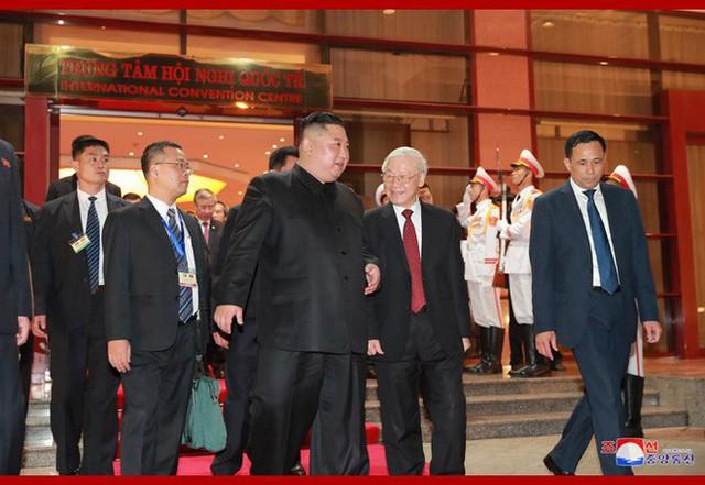 Tiệc chiêu đãi Chủ tịch Kim Jong-un tại Hà Nội qua ống kính phóng viên Triều Tiên - Ảnh 15.
