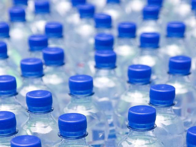 Tạp chí Business Insider: Nước đóng chai chính là cú lừa lớn nhất thế kỷ 21 - Ảnh 5.