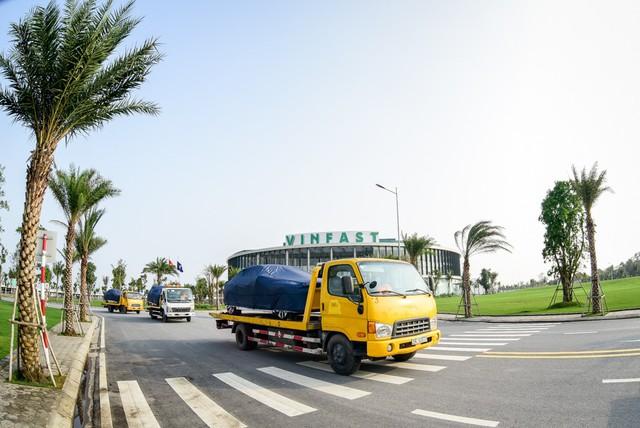 VinFast đưa 155 ô tô ra nước ngoài kiểm định chất lượng - Ảnh 2.