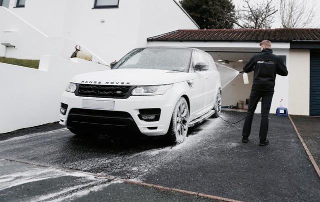 Chủ công ty tân trang xế hộp trẻ nhất thế giới: Buôn headphone Trung Quốc, rửa xe kiếm tiền từ năm 8 tuổi - Ảnh 3.