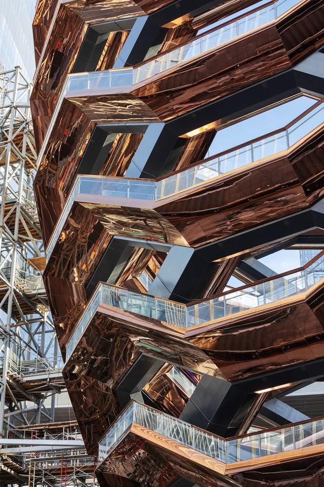 Ghé thăm toà nhà mới nổi được ví như siêu kiến trúc của New York, phức tạp và đau đầu hơn tất cả người yêu cũ của bạn cộng lại - Ảnh 7.