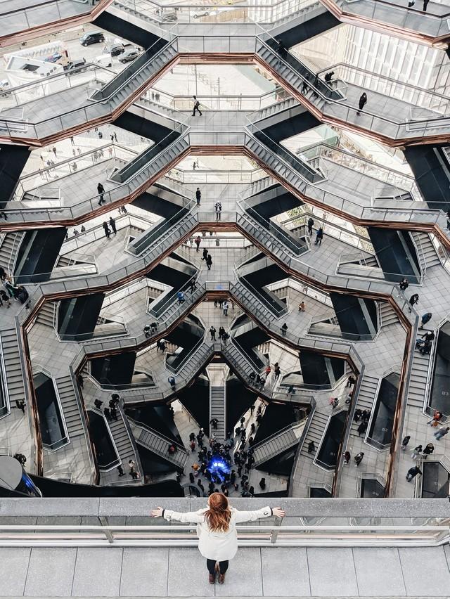 Ghé thăm toà nhà mới nổi được ví như siêu kiến trúc của New York, phức tạp và đau đầu hơn tất cả người yêu cũ của bạn cộng lại - Ảnh 8.