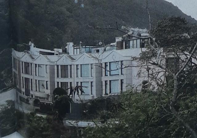Chuyện nhà giàu: Con gái mang thai sinh đôi, vợ trùm sòng bài Macau thưởng nóng con rể Harvard biệt thự 1.500 tỷ đồng - Ảnh 13.