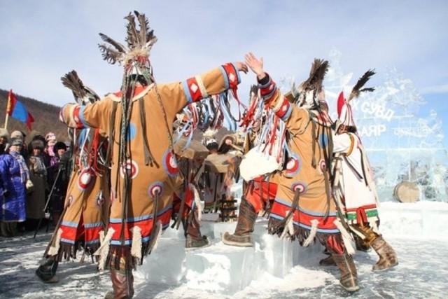 Lễ hội trên hồ đóng băng kỳ lạ của người Mông Cổ: Lạnh kinh hoàng nhưng đẹp đến mê mẩn - Ảnh 18.