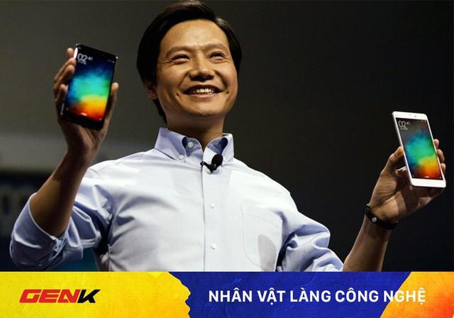 CEO Xiaomi cần kiệm bậc nhất thế giới: Làm tỷ phú vẫn ngồi máy bay hạng phổ thông, dùng Mi Max, từng xin lỗi mọi người vì nói tiếng Anh kém - Ảnh 1.