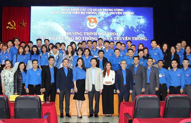"""Bộ trưởng Nguyễn Mạnh Hùng: """"Người trẻ hãy nhận việc khó để làm"""" - Ảnh 2."""