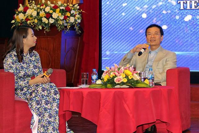 """Bộ trưởng Nguyễn Mạnh Hùng: """"Người trẻ hãy nhận việc khó để làm"""" - Ảnh 1."""