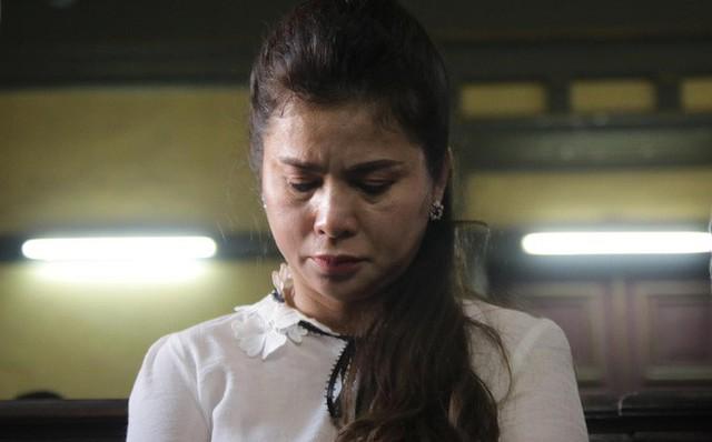 Ngay sau phiên tòa, bà Thảo nghẹn ngào Công lý ở đâu thì ông Vũ nói một câu thâm sâu đầy ẩn ý... - Ảnh 2.