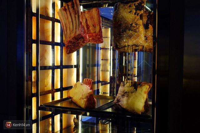 Thịt bò để lâu đến mức lên mốc hoá ra lại là niềm tự hào của nhiều nhà hàng steak nổi tiếng - Ảnh 7.