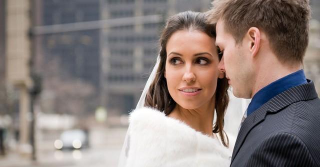 Thô nhưng thật: Cách nhanh nhất giúp một người phụ nữ nằm trong top 1% giàu nhất thế giới là lấy chồng có điều kiện! - Ảnh 1.