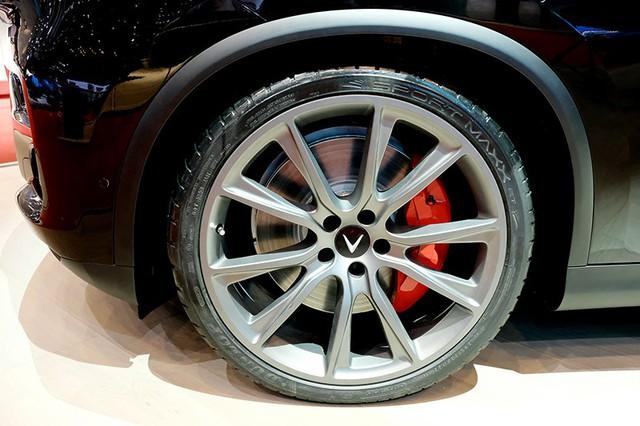VinFast trình làng mẫu SUV Lux phiên bản đặc biệt tại Geneva Motor Show - Ảnh 1.