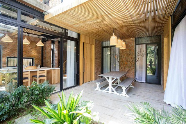 Kiến trúc sư kể chuyện xây 2 căn biệt thự liền kề ở Đà Nẵng cho đôi bạn thân từ trẻ sống cạnh nhau đến cuối đời - Ảnh 10.