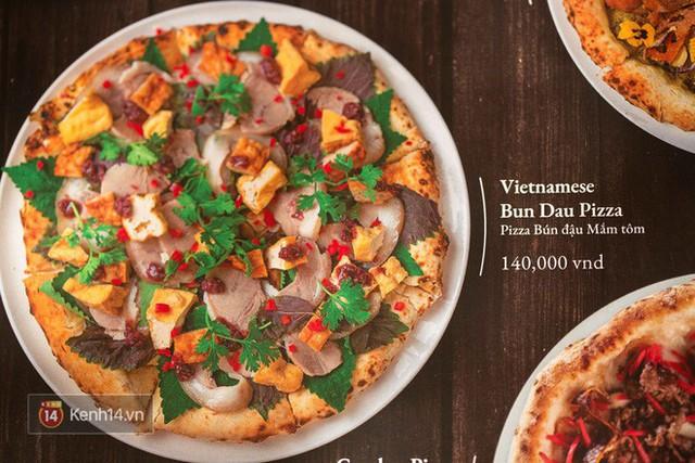 Ăn thử chiếc pizza bún đậu mắm tôm đang khiến dân tình chao đảo: Đầu hàng sau 2 miếng! - Ảnh 1.