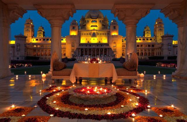 Soi vào những đám cưới dát vàng ở Ấn Độ để thấy sự xa hoa có lí lẽ của nó - Ảnh 5.