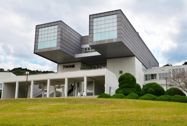Tạo ra hơn 100 tuyệt tác trên toàn thế giới, KTS huyền thoại Nhật Bản vừa giành giải Nobel kiến trúc ở tuổi 87 - Ảnh 1.