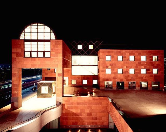 Tạo ra hơn 100 tuyệt tác trên toàn thế giới, KTS huyền thoại Nhật Bản vừa giành giải Nobel kiến trúc ở tuổi 87 - Ảnh 2.