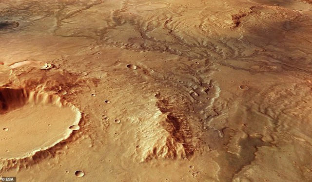 Hình chụp Sao Hỏa từ vệ tinh cho thấy vết tích những dòng sông cổ có tuổi thọ cả tỷ năm - Ảnh 1.