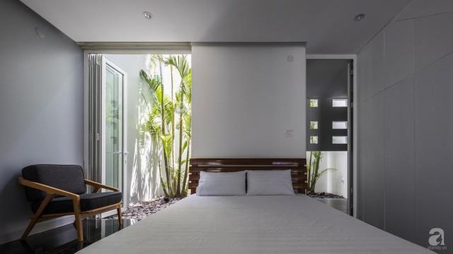 Nhờ thiết kế 300 ô cửa sổ, ngôi nhà hướng Tây ở Nha Trang luôn ngập tràn ánh sáng và gió mát - Ảnh 17.